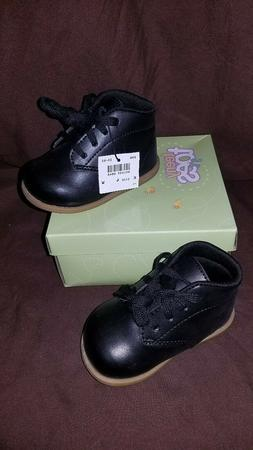 Teeny Toes Baby WW Chubby Size 4W Black Walking Shoes NEW IN