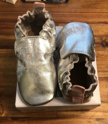 Robeez Infant Girl's and Silver Crib Shoe Size