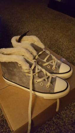 Converse Style Shoes with Fur Womens size 9